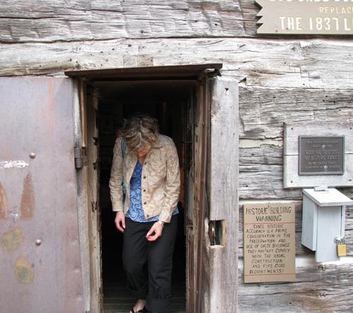 Nashville log jail2