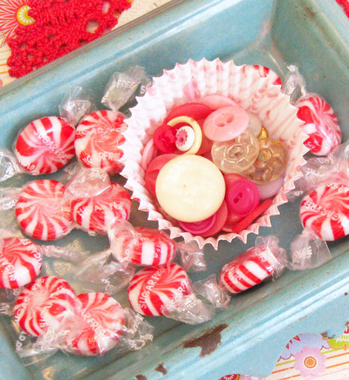 Buttons_in_cupcake2_2